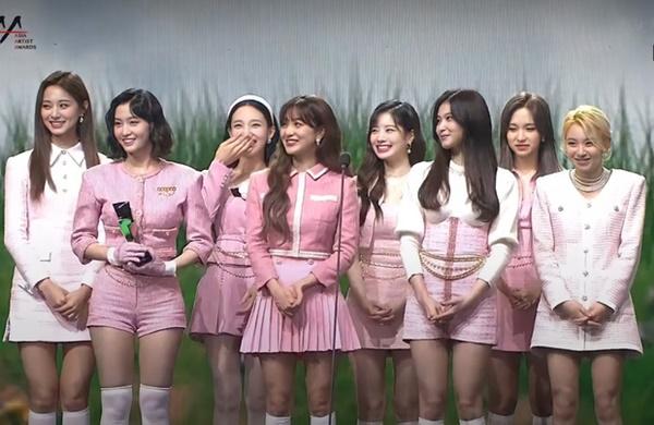 Netizen gọi AAA 2020 là 'lễ trao giải hề hước của năm': BTS 'trượt' giải quan trọng, các Daesang còn lại chia đều không sót một ai 7
