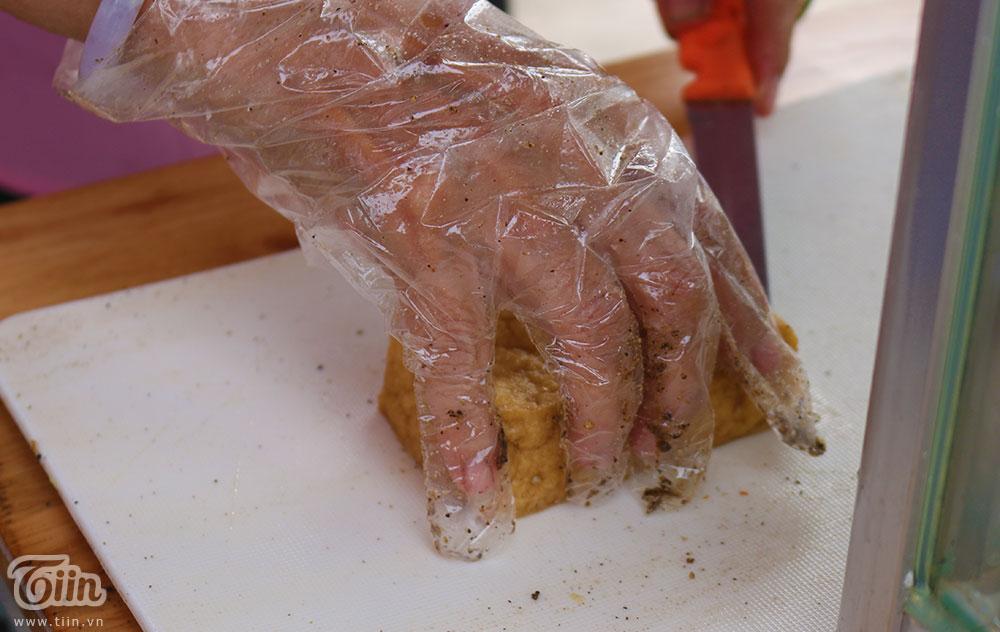 Đậu phụ hấp rau răm muối ớt - Món ngon miền Tây 'đổ bộ' Sài thành 5