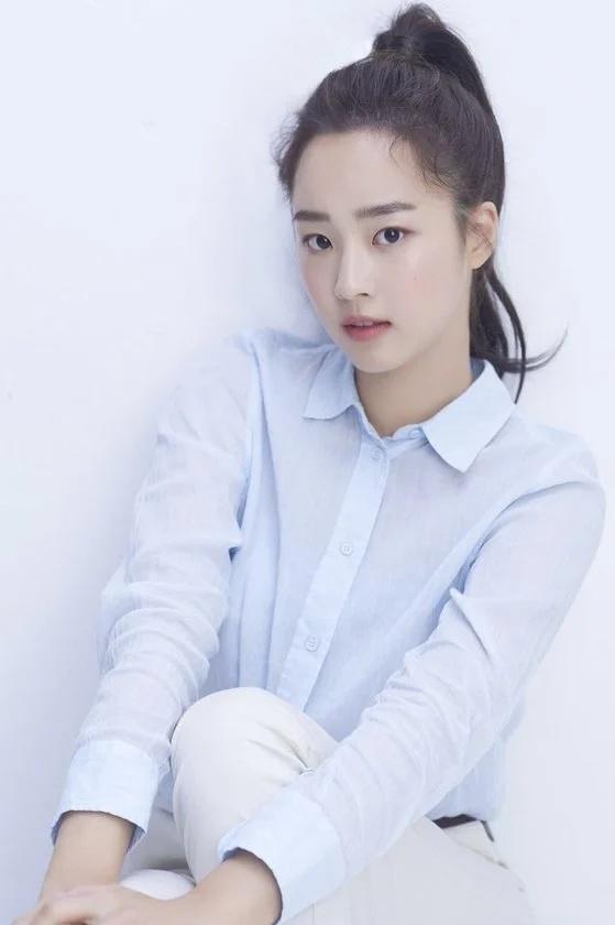 Vẻ đẹp trong sáng của Choi Ye Bin.