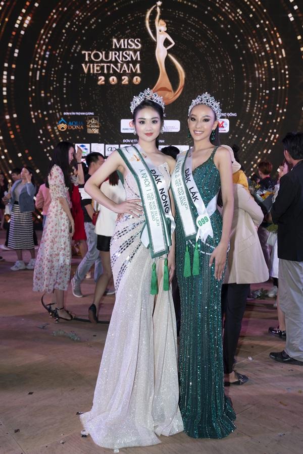 Á khôi 1 Bùi Minh Anh và Á khôi 2 Ngô Thị Mỹ Hải của cuộc thi Hoa khôi Du lịch Việt Nam 2020 (Miss Tourism Việt Nam 2020)