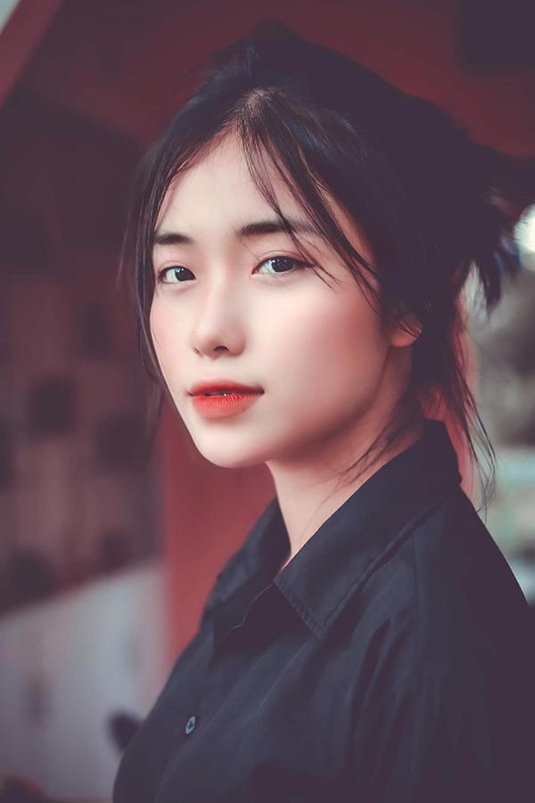 Khánh Linh (THPT Lê Hoàn) được nhận xét là cực giống Hoà Minzy.