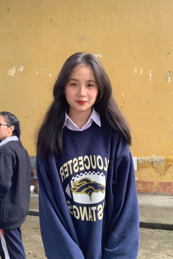 Lạc vào vũ trụ girl xinh các trường: toàn nhan sắc cực phẩm được dân tình đồng loạt thả tim, truy tìm info 13