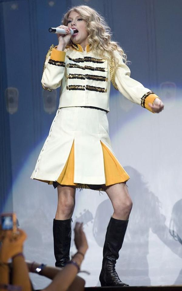 Netizen chêLynk Lee 'tả tơi'khi hóa thân thành Taylor Swift: Người thấy giống Joker, kẻ nhìn sơ cứ tưởng... cô Minh Hiếu 0