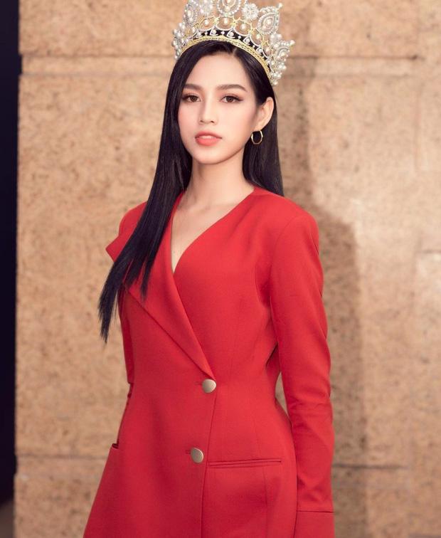 Gương mặt hốc hác của Hoa hậu Đỗ Thị Hà sau vài ngày đăng quang khiến nhiều người lo lắng 3