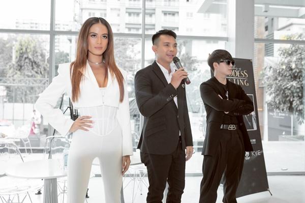 Bộ 3 giám khảo của buổi casting.
