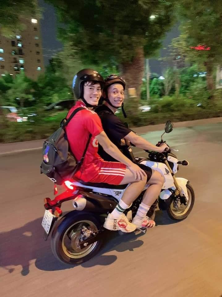 'Thân thiết' từ streamer đến game thủ, fan nghi vấn Văn Toàn đang 'lấn sân' làng game 0