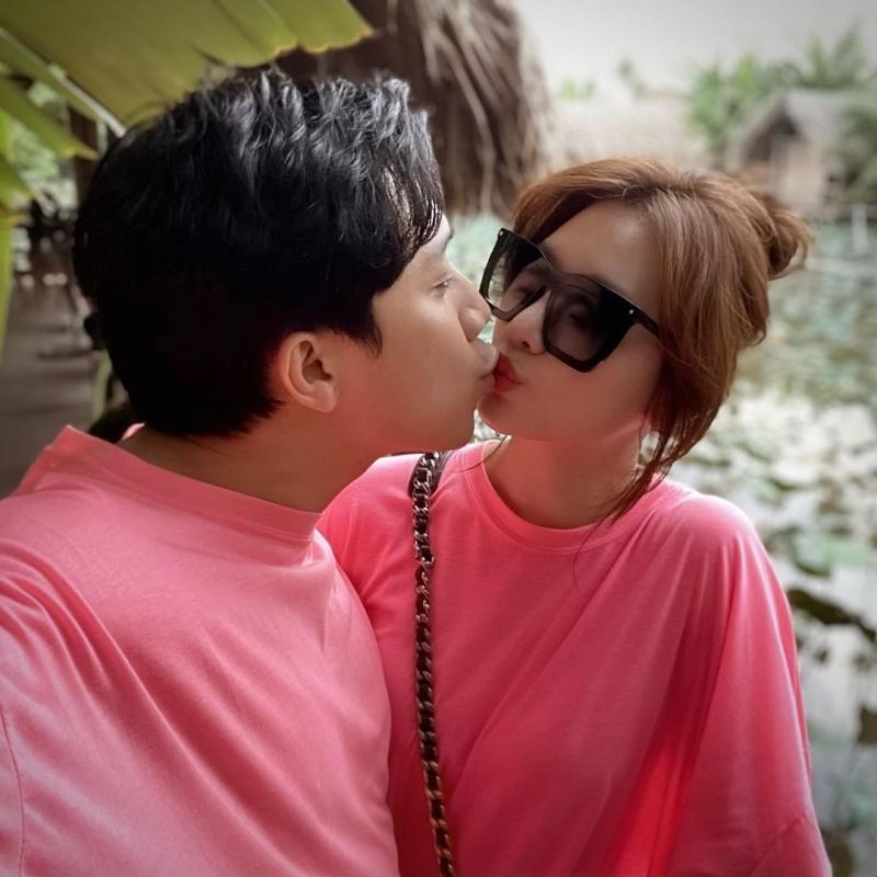 Yêu nhau là thế, nên khi Trấn Thành tiết lộ mình từng 'đắm đuối', quỵ lụy vì một người khác trước Hari Won, người hâm mộ đều có phần bất ngờ.