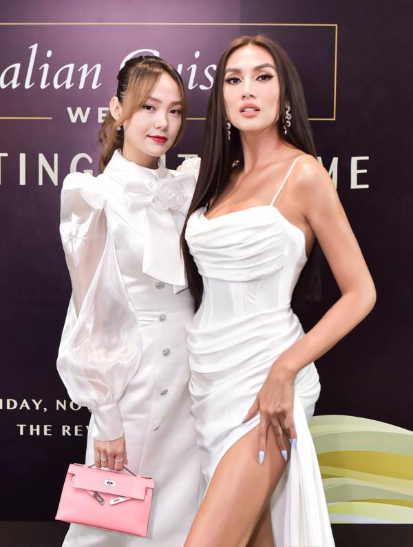 Bộ đôi Giám khảo The Face Vietnam 2018 siêu mẫu Võ Hoàng Yến và ca sĩ, diễn viên Minh Hằng đọ sắc vô cùng thần thái, thu hút mọi ánh nhìn tại thảm đỏ