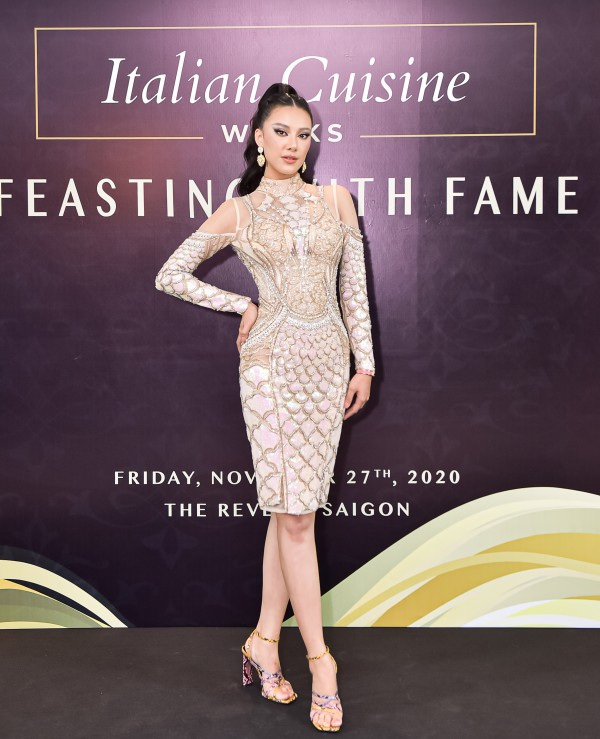 Á hậu Kim Duyên chọn tone make up sắc sảo tại sự kiện