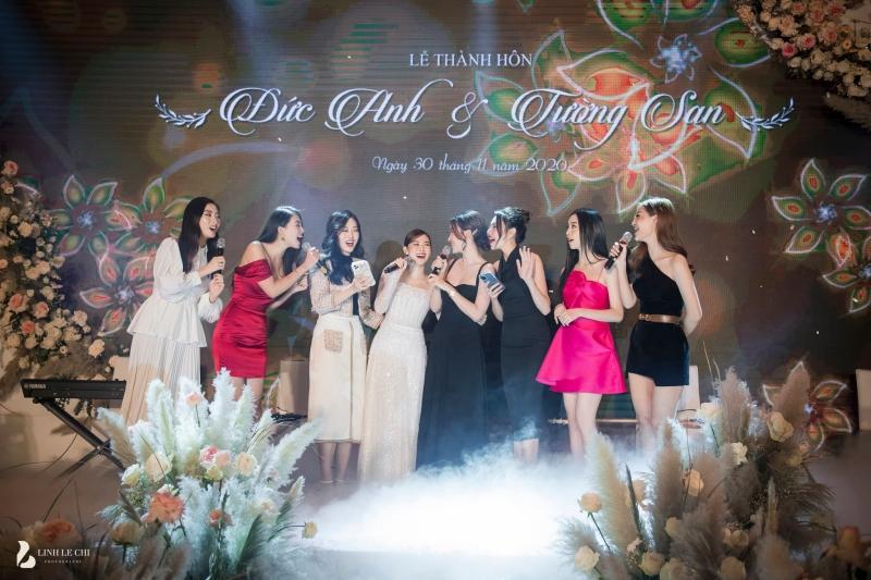 Loạt ảnh trong đám cưới kín tiếng của Tường San: Cô dâu khóc rưng rưng cũng xinh nức nở, chú rể chỉ nhìn thấy bóng lưng 6