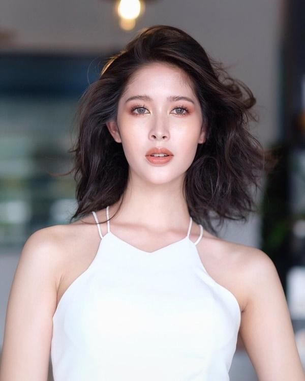 ''Đổ gục'' với nhan sắc của Tân Hoa hậu Chuyển giới Thái Lan, ảnh thời đi học mới thực sự ''gây sốt'' 5