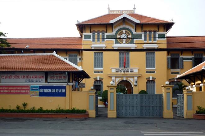 Trường THPT Nguyễn Thị Minh Khai chuyển sang dạy trực tuyến vì có 1 học sinh tham gia lớp học tiếng Anh của ca nhiễm mới.