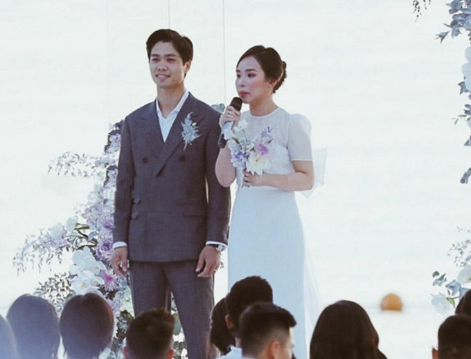 Bộ vest Công Phượng mặc vào tiệc cưới thứ 2 ngày 18/11 ở Phú Quốc...