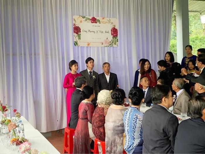 Chiêm ngưỡng nhan sắc của cô dâu Viên Minh sáng nay trong 2 thiết kế giản dị mà cực sang trọng 1