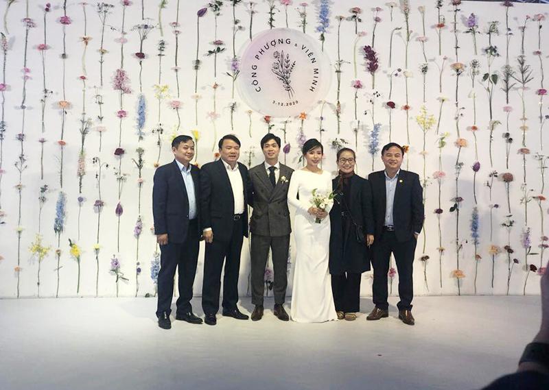 Chiêm ngưỡng nhan sắc của cô dâu Viên Minh sáng nay trong 2 thiết kế giản dị mà cực sang trọng 3