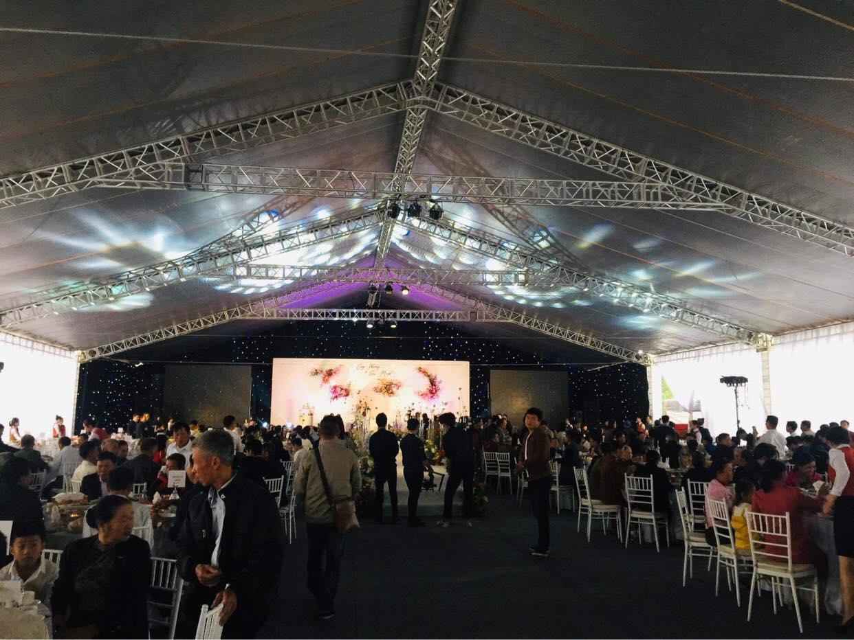 Theo dự tính, tiệc cưới hôm nay ở nhà Công Phượng sẽ có khoảng 1.000 khách