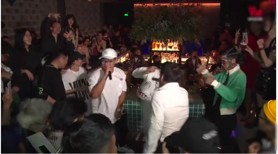 Dế Choắt và GDucky bá vai quàng cổ trình diễn cùng nhau, đập tan tin đồn 'cạch mặt' sau Rap Việt 1