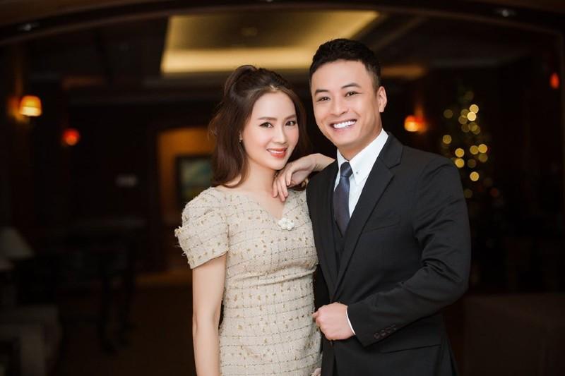 Hồng Đăng và Hồng Diễm lần đầu được 'se duyên'trên màn ảnh nhỏ vào năm 2011, trong bộ phim ăn khách Cầu vồng tình yêu.