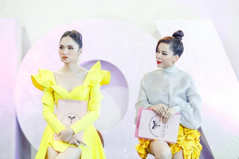 Giám khảo Oanh Lê và Host Hương Giang