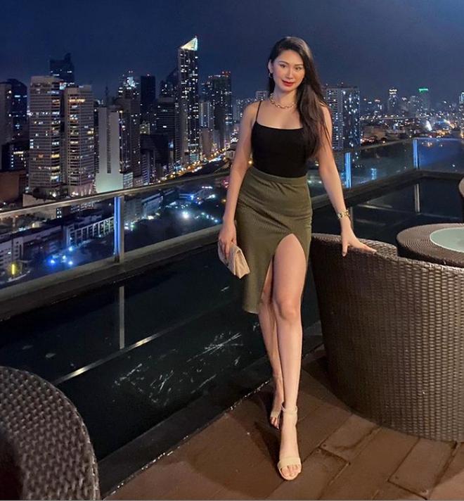 Christine Angelica Dacera là nữ tiếp viên hàng không xinh đẹp, nóng bỏng có hơn 86 ngàn người theo dõi trên Instagram.