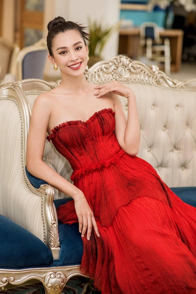 Sau Mai Phương Thúy, đến Hồ Ngọc Hà cũng phải công nhận: 'Trần Tiểu Vy là hoa hậu đẹp nhất' 9
