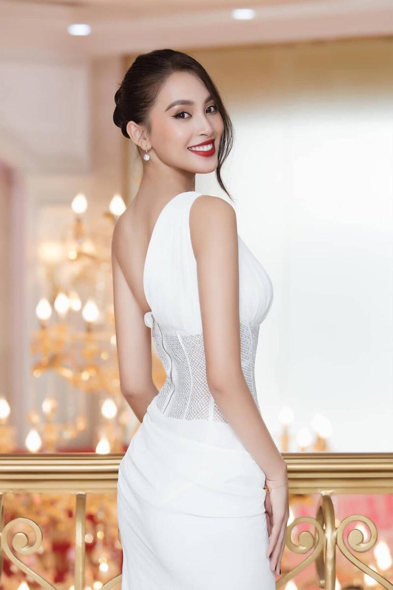 Sau Mai Phương Thúy, đến Hồ Ngọc Hà cũng phải công nhận: 'Trần Tiểu Vy là hoa hậu đẹp nhất' 7