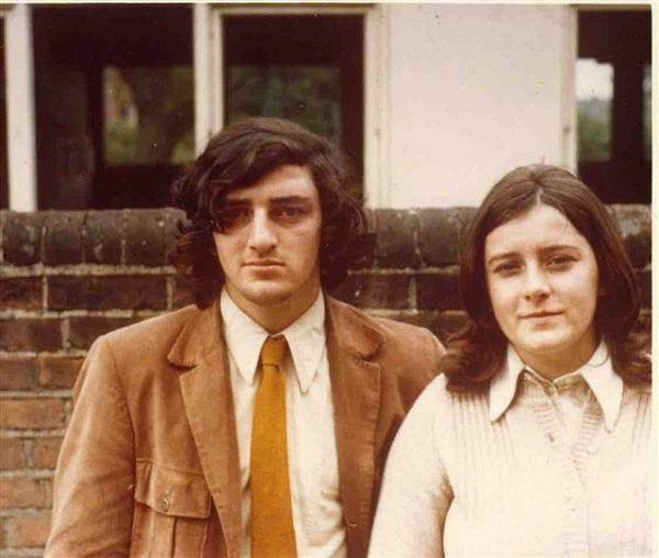 Cả hai ông bà khi còn niên thiếu