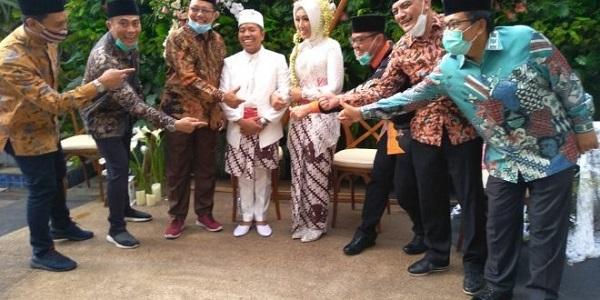 Xót xa cặp đôi mới cưới trên chuyến bay rơi ở Indonesia: Vợ thông minh và xinh đẹp, chồng là chính trị gia nổi tiếng 2