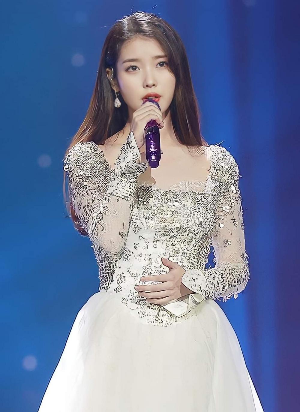 Hậu tung thính tại GDA, IU xác nhận ngày lên sóng single 'dọn đường' cho album mới 2
