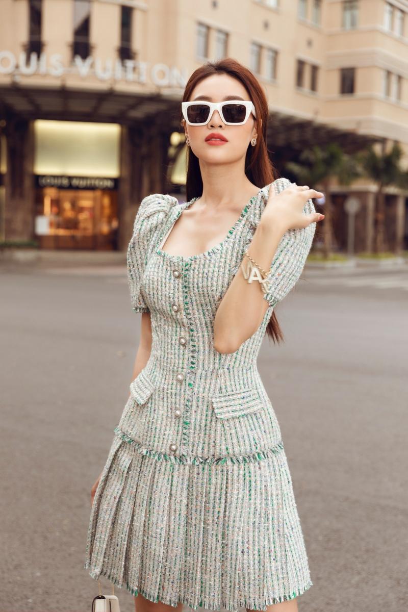 'Gái già' Lan Ngọc dịu dàng dạo phố trong loạt váy ready-to-wear của Lê Thanh Hòa 8