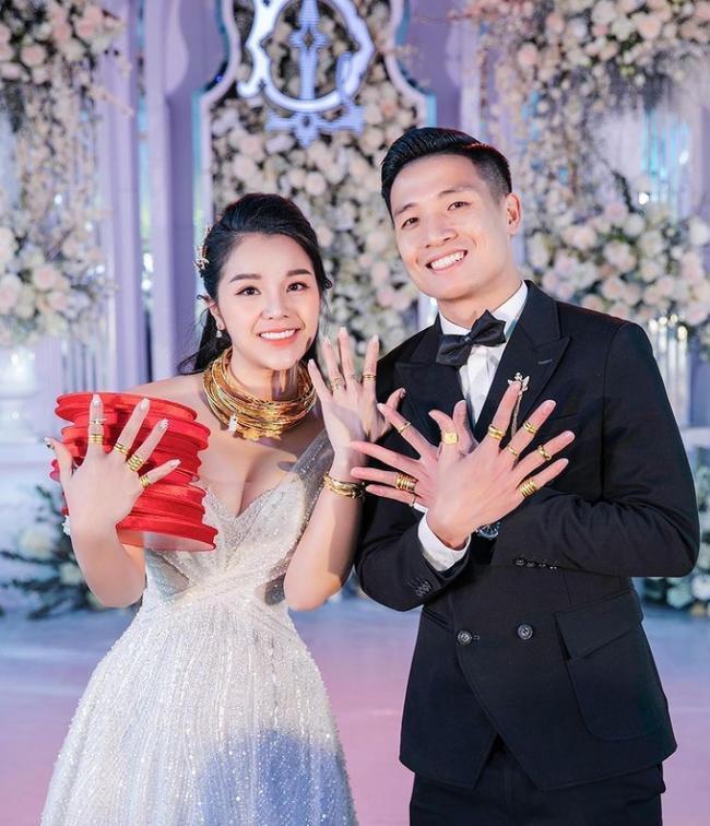 Ưng Hoàng Phúc mắc sai lầm 'chết cười' khi đăng đàn chúc mừng hôn lễ Bùi Tiến Dũng 0