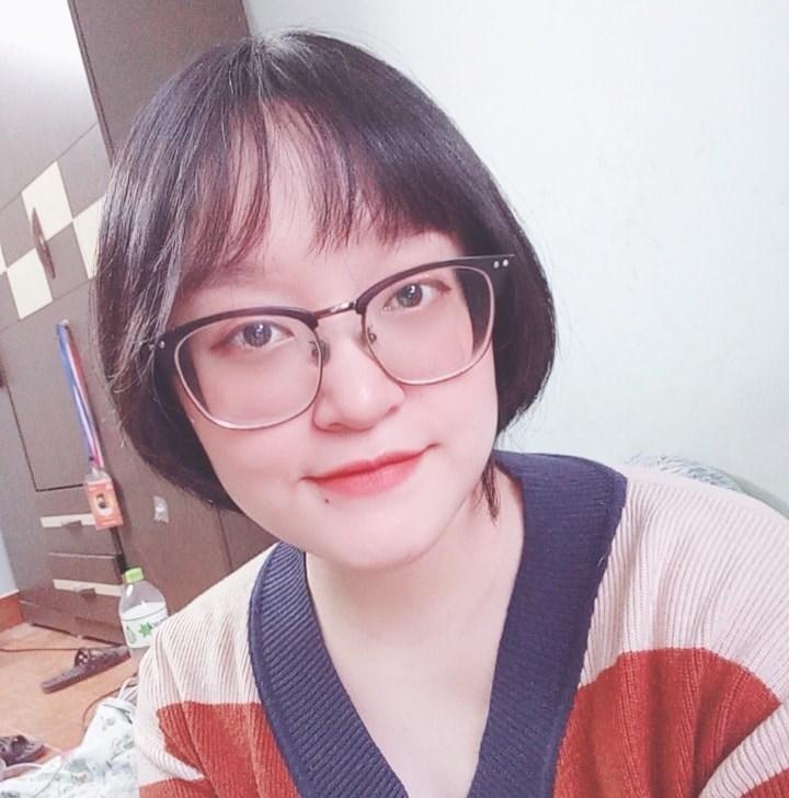 Khánh Dương hiện đang làm marketing tại Hà Nội