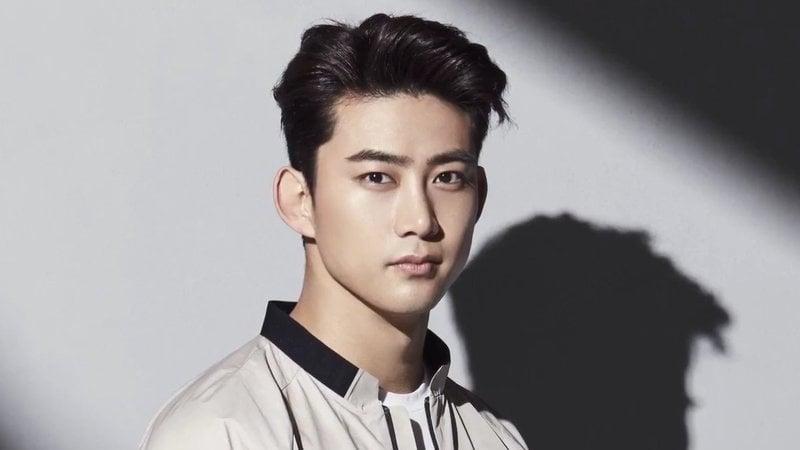 Mặc dù Taecyeon hiện không còn là nghệ sĩ trực thuộc JYP, nhưng công ty mới vẫn luôn tạo điều kiện để nam thần tượng tham gia mọi hoạt động nhóm, bên cạnh các anh em 2PM.