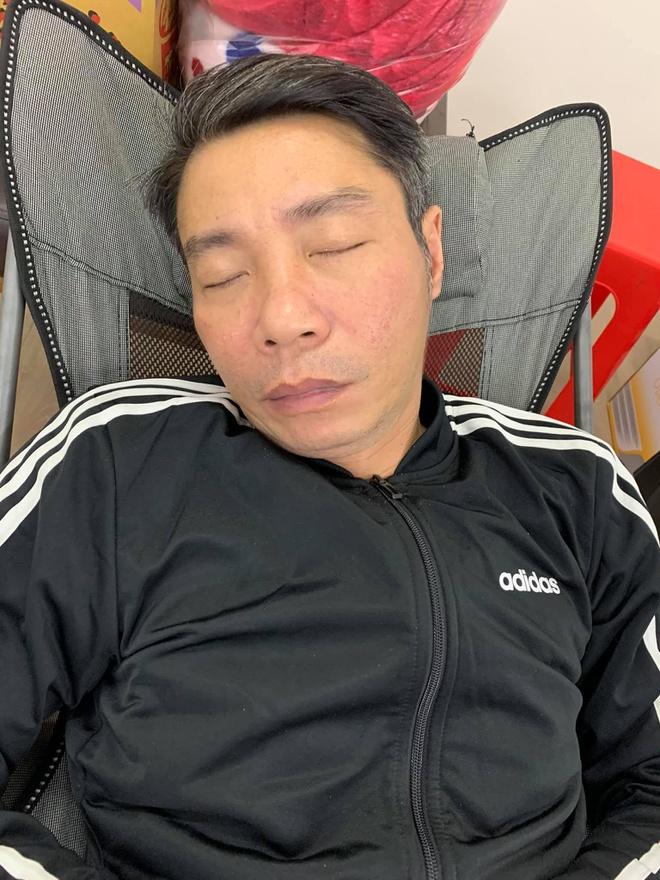 Hé lộ hậu trường Táo Quân: Công Lý ngủ gục sau 15 tiếng tập luyện, các nghệ sĩ gấp rút chuẩn bị 0