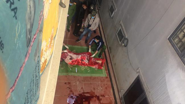 Nam thanh niên tử vong do ngã từ trên mái nhà xuống khi quay clip Tiktok.