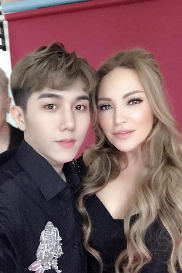 Võ Đức Trí cùng HLV Thanh Hà.