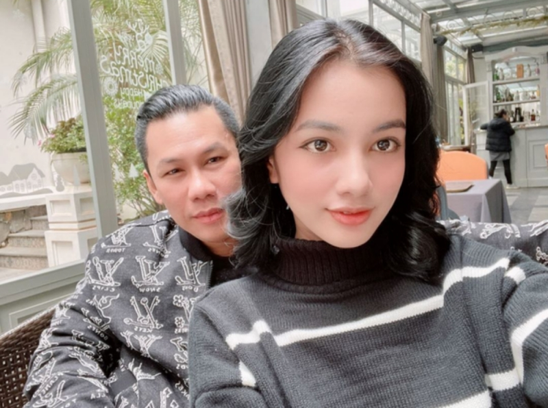 Chồng cũ Lệ Quyên - doanh nhân Đức Huy khiến dân tình dậy sóng khi đăng ảnh chụp cùng người đẹp lọt Top 15 Hoa hậu Việt Nam 2020 - Nguyễn Thị Cẩm Đan