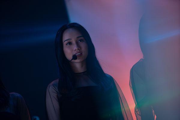 'Thiên thần hộ mệnh' hé lộ ca khúc nhạc phim, Trúc Anh không buồn che giấu ánh mắt mưu đồ trong màn trình diễn sang chảnh của Salim 2