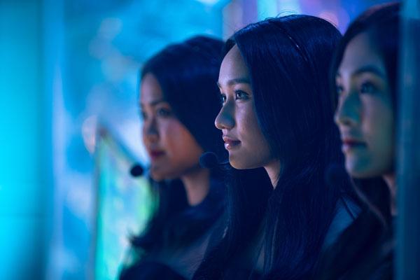 'Thiên thần hộ mệnh' hé lộ ca khúc nhạc phim, Trúc Anh không buồn che giấu ánh mắt mưu đồ trong màn trình diễn sang chảnh của Salim 3
