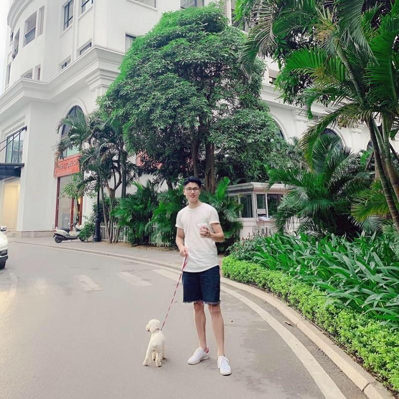 Vũ Văn Thành hiện đang sinh sống và làm việc tại Hà Nội.
