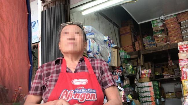Bà Hải (chủ cửa hàng tạp hoá) kể lại sự việc mà bà đã chứng kiến