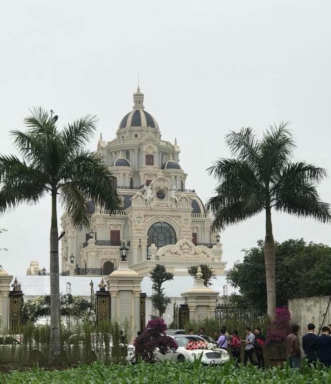 Rò rỉ hình ảnh xa hoa bên trong lâu đài 7 tầng của gia đình cô dâu xinh đẹp nổi tiếng Nam Định 6