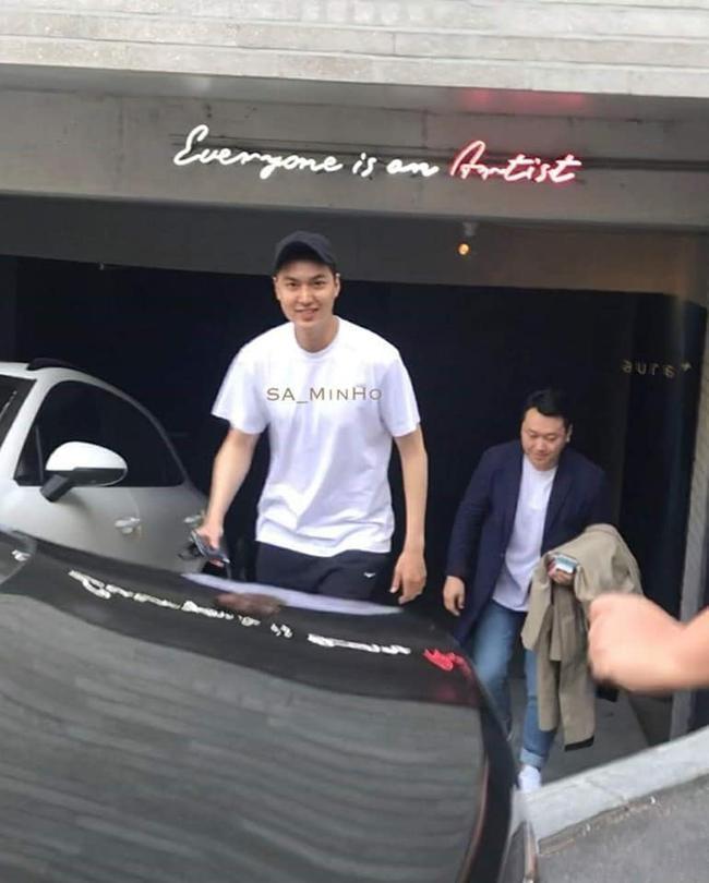 Chuẩn bị tái xuất sau 2 năm nhập ngũ, Lee Min Ho tăng cân mập mạp mà vẫn 'cực phẩm soái ca' 2