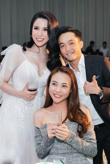 Cường Đôla và Đàm Thu Trang tham dự hôn lễ của Diệp Lâm Anh.