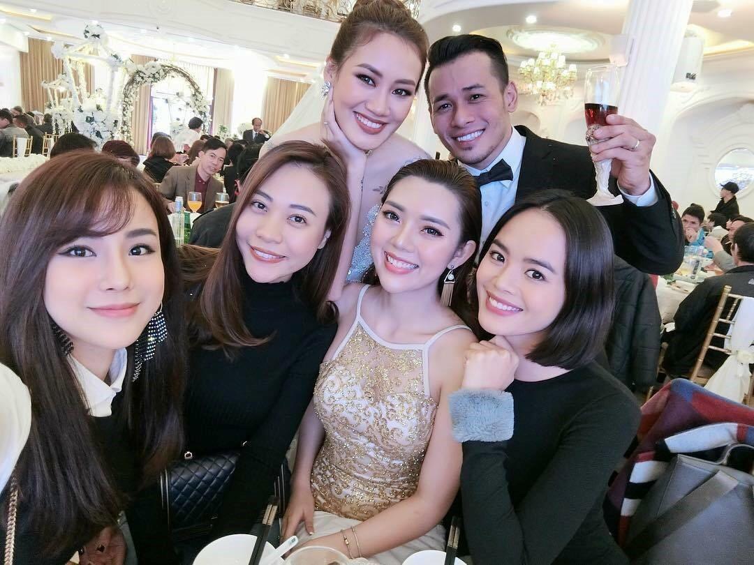 Đàm Thu Trang tham dự hôn lễ của stylist Pông Chuẩn và Tùng Min