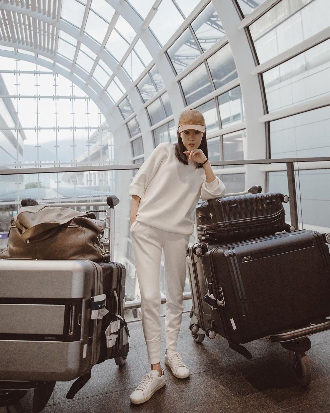 Nhìn chung, dân sành điệu đang diện quần trắng theo 3 cách sang xịn đến nỗi bạn sẽ muốn copy đi copy lại suốt mùa đông 6