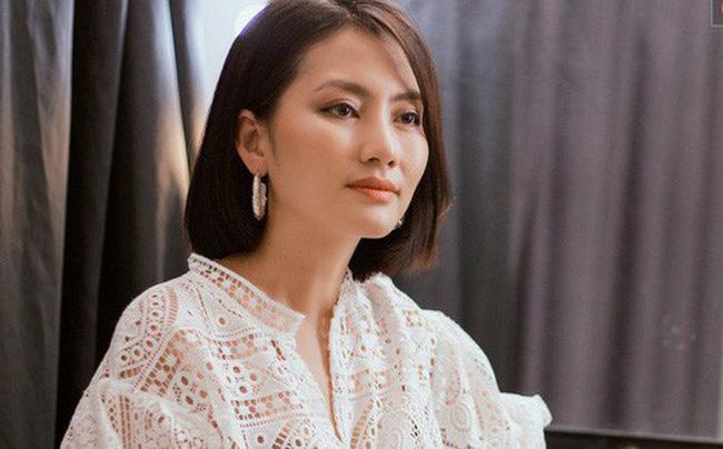 Ngọc Lan liên tục đăng trạng thái buồn hậu ly hôn Thanh Bình nhưng gây chú ý nhất vẫn là hình ảnh trên tay còn đeo nhẫn ở ngón áp út 0