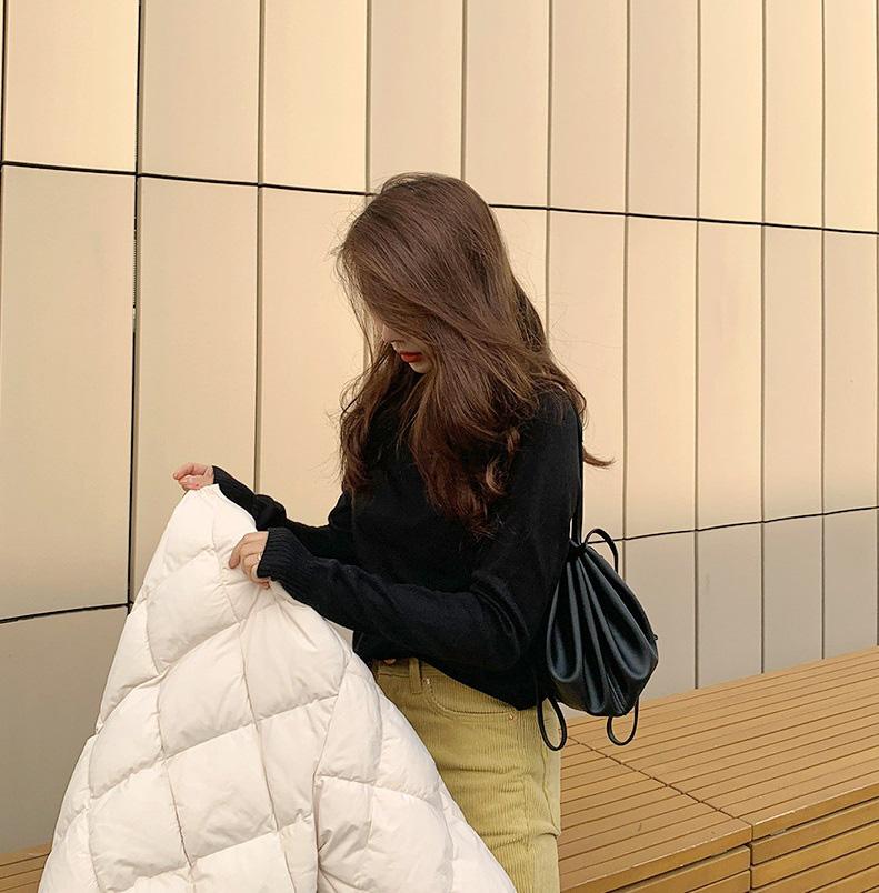 Ai cũng tưởng là bạn mi nhon, thon thả hơn nếu diện 1 trong 3 mẫu áo cơ bản sau của mùa Đông 1