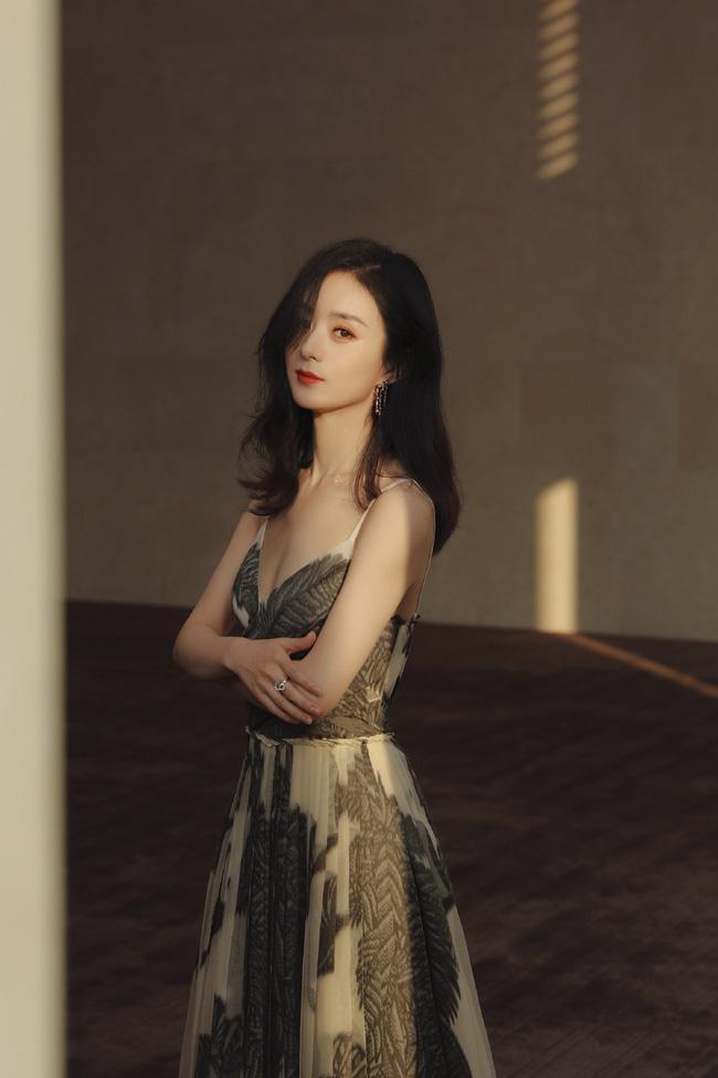 Hình ảnh của cô được studio đăng tải.