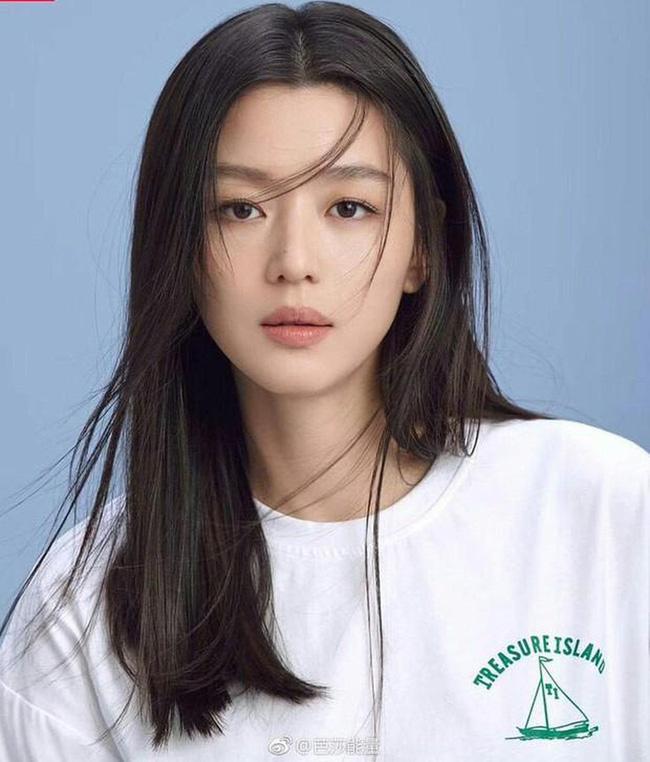 Hậu ly hôn, Song Hye Kyo lép vế trong cuộc đua nhan sắc khi đứng sau người đẹp đình đám này ở danh sách các nữ thần hàng đầu Hàn Quốc 2
